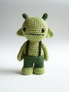 Standing amigurumi alien.... Kathy wanted an alien....