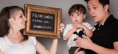 Incluir outros filhos e o pai da criança nas fotos é uma ótima opção e possibilita variadas poses diferentes!