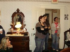 We caught something! There's someone in the mirror!   Lizzie Borden's house Oct 29, 2011---Oh, I wanna go there! :)