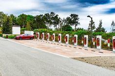Автогонщик и главный редактор интернет-журнала «Суперкар» об опыте дальних поездок по Европе на #Teslahttp://bit.ly/2wN9o1C