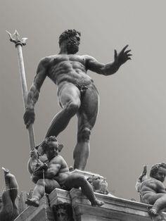 Statues, sculptures, and stone art etc. Ancient Greek Sculpture, Greek Statues, Masculine Art, Anatomy Sculpture, Rome Antique, Roman Sculpture, Poses References, Greek Art, Art Poses