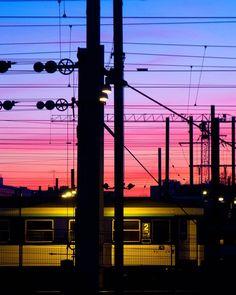 #suburbs #train #rail #night #sundown #France #RERD #RER #banlieue #nuit #coucherdesoleil #fuji #x100 #StraigtOfLR #adobe #lightroom #colors