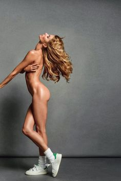 Gisele Bündchen poses as her own body double for Inez van Lamsweerde and Vinoodh Matadin in the November 2013 issue of Vogue Paris.