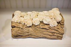 wooden wedding details, wooden wedding inspiration, bolsa wood wedding flowers
