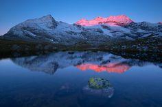 Alpen Berge Bernina Cambrena Fels Gletscher Schweiz See Sonnenaufgang Spiegelung