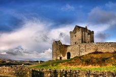 Ireland's 10 Best Attractions...saw three of these but I would love to go back and see the rest :) love this country.