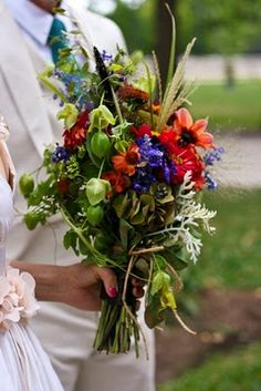 Kristen is an artist and her bouquet was a true work of art. Whimsical and wild, I adored her bouquet.