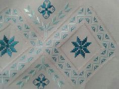 This Pin was discovered by Neş Hardanger Embroidery, Ribbon Embroidery, Embroidery Stitches, Embroidery Patterns, Cross Stitch Patterns, Machine Embroidery, Creative Embroidery, Bargello, Needlepoint