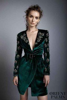 "Alfazairy ""Ruby"", F/W - Couture - Mode für Frauen Classy Dress, Classy Outfits, Elegant Dresses, Beautiful Dresses, Rock Dress, Look Fashion, Womens Fashion, Fashion Design, Dress Outfits"