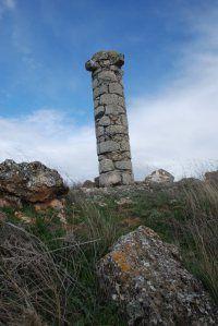 Atalaya de Atanzón y la Picota o Rollo (el más antiguo de la provincia de Guadalajara)