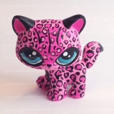 Custom Littlest Pet Shop Toy pink cheetah LPS Lps Littlest Pet Shop, Little Pet Shop Toys, Little Pets, Lps Clothes, Custom Lps, Lps Accessories, Lps Cats, Pets For Sale, Pink Cheetah