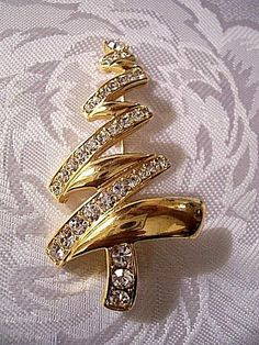 Monet Christmas Tree Pin Brooch Gold Tone Vintage Rhinestone Zig Zag