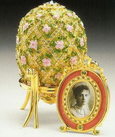 1000 images about faberg peter carl faberg on pinterest faberge eggs peter o 39 toole and eggs. Black Bedroom Furniture Sets. Home Design Ideas
