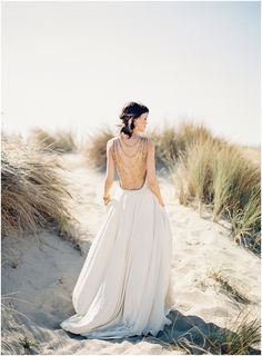 Lace in the Desert   Old World Elegance ~ stunning shoot from Kina Wicks