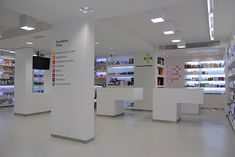 Mrs. SHOPFITTER: Farmacia PRAT #farmacia #pharmacy