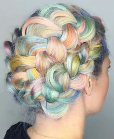 It's true that there are dozens of new hair trends, from sunset hair and sand art hair to split hair, but we really never get tired of looking at pretty tresses and getting tons of inspo for the next salon appointment or Manic Panic party with the besties. So, when there's a new color trend that makes you look like a unicorn? Yes, yes, yes. Sign us up!