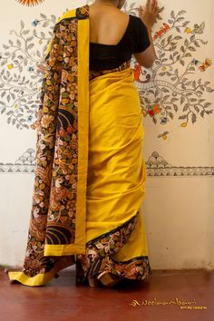 Sambalpuri Saree, Kalamkari Saree, Saree Dress, Silk Sarees, Sari Blouse, Saree Blouse Designs, Saree Photoshoot, Kalamkari Designs, Indian Beauty Saree