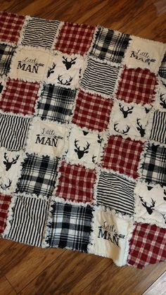 Deer black red flannel rag quilt Boy Quilts, Flannel Rag Quilts, Baby Rag Quilts, Red Flannel, Flannel Blanket, Denim Quilts, Rag Quilt Patterns, Country Quilts, Baby Sewing