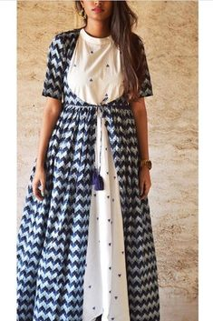 Image may contain: one or more people and people standing Kurti Neck Designs, Kurti Designs Party Wear, Blouse Designs, Indian Designer Outfits, Indian Outfits, Designer Dresses, Indian Clothes, Frock Fashion, Fashion Dresses