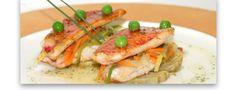 Lomos de salmonetes con panache de verduras y vinagreta de hierbas