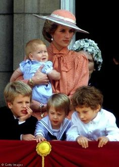 Diana, Princes William and Harry, with cousins on Buckingham Palace balcony