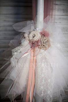 Σετ βάπτισης λαμπάδα με χειροποίητα λουλούδια και κουτί ξύλινο με καρδούλες Baptism Reception, Lace Candles, Greek Easter, Baptism Candle, Girl Christening, Palm Sunday, Classic Beauty, Fascinator, Wedding Decorations
