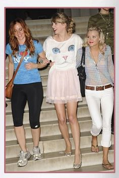 Buy it: Taylor Swift's Cat Tee and Pink Tulle Skirt