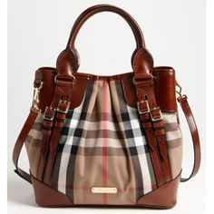 Shop Women's Burberry size Totes at a discounted price at Poshmark. Brown House, Dark Brown, Bucket Bag, Fashion Design, Fashion Trends, Burberry Bags, Zip, Leather, Stuff To Buy