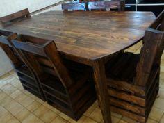 Mesa e poltronas com madeira de paletes.
