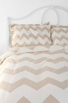 chevron striped bedding http://rstyle.me/n/g2rqvr9te