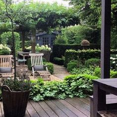 Garden visions .. I love the layering of all the green. Paths, Hedges, lots of places to sit .. Repost @instagramdesign