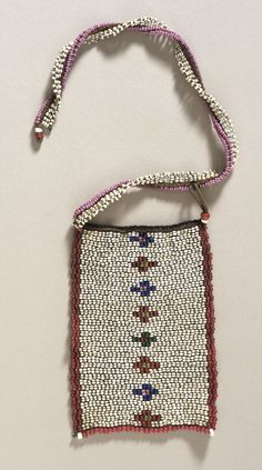 South Africa | Love Letter necklace from the Zulu people | ca. 1st half of the 20th century | Glass beads on cotton.