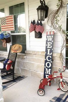 Front Porch Labor Day Decorations #outdoordecorations ★ Labor Day decorations are the first things your guests will see at your backyard, so why don't make them totally special this time? While the American flag is a must, we've got some more amazing ideas to make your festive home decor unforgettable. Red white blue ideas for front porches, table setting, and more are here! ★ #labordaydecorations #patrioticdecorations #starsandstripesdecor #homedecor