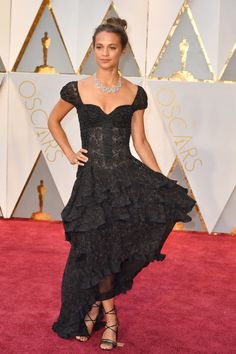 These are the 10 ladies that won the red carpet at the 89th Academy Awards: Alicia Vikander in Louis Vuitton