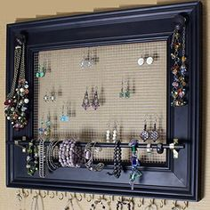 Large Painting Frame Style Wall Jewelry Organizer / Display Rack Holder - Diy Home Decoration Diy Jewelry Unique, Diy Jewelry To Sell, Stylish Jewelry, Jewelry Making, Wall Organization, Jewelry Organization, Organizing Earrings, Organize Necklaces, Jewellery Storage