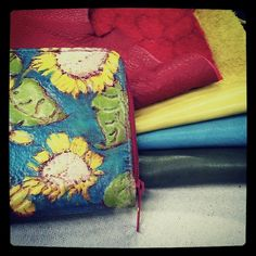 Available: http://www.siftcouture.com/sunflower-wallet/