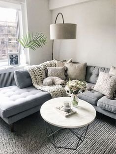 15 Awesome Small Apartment Living Room Design Ideas to Your Inspiration - Living room inspiration - Living Room Colors, Living Room Paint, Living Room Grey, Living Room Modern, Rugs In Living Room, Living Room Furniture, Cozy Living, Couch Furniture, Living Room Ideas With Grey Couch