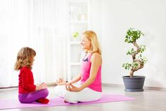 Yoga for Kids: What Yoga Poses are best for My Child? Kids Yoga Poses, Yoga For Kids, Exercise For Kids, Yoga Mantras, Chico Yoga, Poetry For Kids, Reiki Meditation, Mindfulness For Kids, Brain Gym