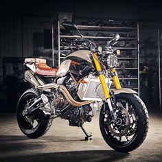 Yamaha FZ-07 built by @origin8or for @yamahamotorcanada photographed by @benquinnphotography at @hindleexhaust. Love that @kchilites headlamp! #yamahafz #fz07 #tracker