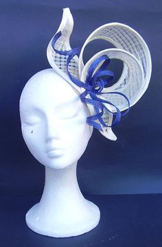 Kentucky Derby fascinator hat / Ascot Races headpiece / Bridal / Weddings / Church / Cocktails / Melbourne Cup / Hair Accesories Stunning ivory and Sinamay Hats, Fascinator Hats, Fascinators, Kentucky Derby Fascinator, Derby Hats, Hat Organization, Wooly Hats, Black Fascinator, Melbourne Cup