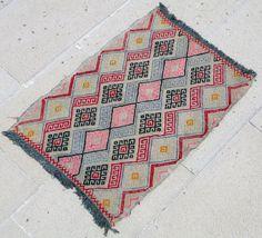"Turkish Rug 18""x25"" Hand Woven Wool Sivrihisar Jajim Kilim 1'5x2'1 #TraditionalPersianOriental Turkish Kilim Rugs, Carpets, Persian, Bohemian Rug, Hand Weaving, Oriental, Area Rugs, Textiles, Traditional"