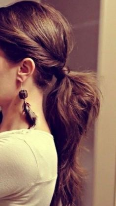The simple ponytail hairstyles always stay in trend among young girls for their…