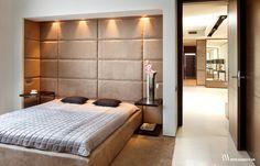 Elegancka i przytulna sypialnia z łóżkiem we wnęce i ścianą tapicerowaną. www.bartekwlodarczyk.com Divider, Bedroom, Furniture, Design, Home Decor, Bedhead, Room, Modern, Bed Room