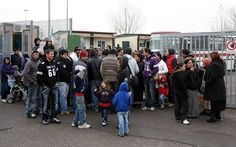 La Regione paga le vacanze-premio ai rom: 1500 euro per tornare a casa