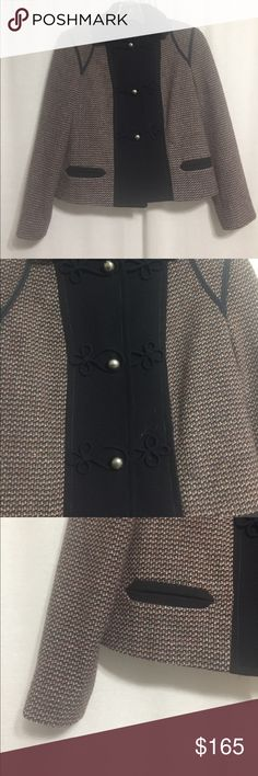Marc Jacobs Navy Tweed Cropped Wool Jacket 65% Wool. Size small. Three snap button closures. Absolutely gorgeous and stunning details Marc Jacobs Jackets & Coats