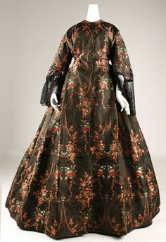 Figured silk dress, mid-19th century | In the Swan's Shadow