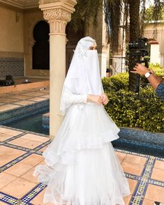 New Party Outfit Wedding Life 19 Ideas Muslimah Wedding Dress, Muslim Wedding Dresses, Muslim Brides, Bridal Dresses, Wedding Gowns, Niqab, Wedding Hijab Styles, Arab Wedding, Mode Hijab