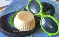 These sunscreen lotion bars contain zinc for a natural sunscreen without the chemicals. The natural coconut oil and butters provide SPF and moisturize skin.