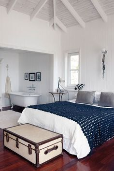 Beach house bedroom with crochet bed cover #bedroom #decor #interiors