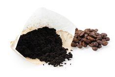 Der er ingen grund til at smide kaffegrums væk, når du har nydt kaffen. Den kan smides i kompostbunken og gavner dine haveplanter på flere…
